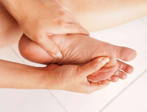 Μούδιασμα στα πόδια και τα χέρια: πού οφείλεται;