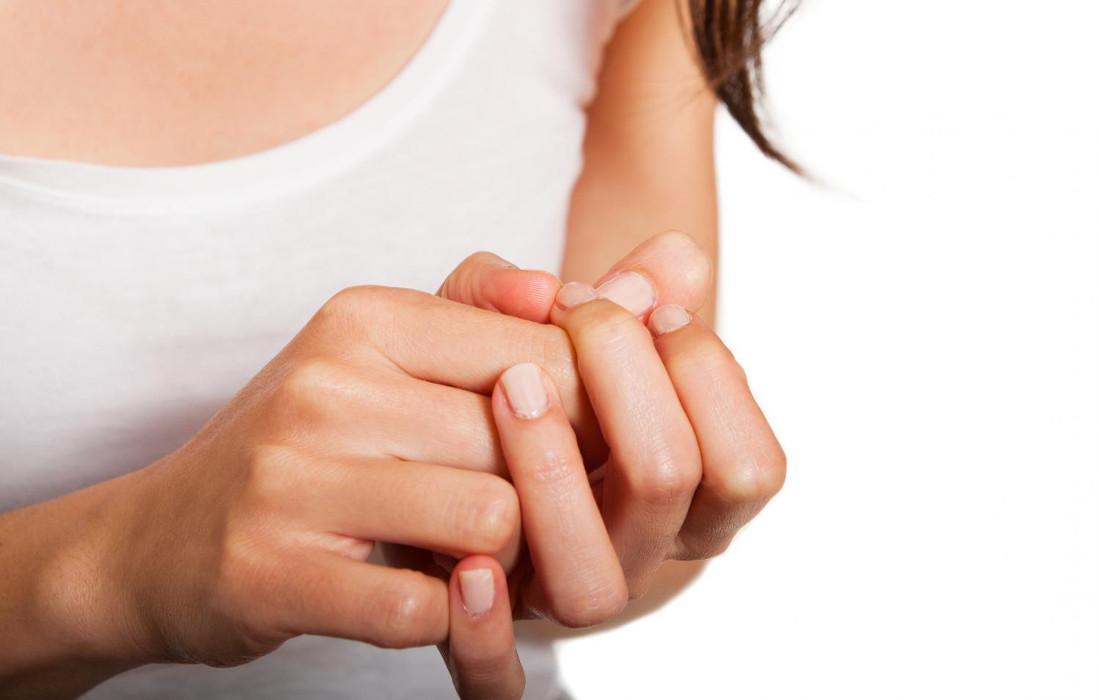 Γιατί σπάνε τα νύχια σας; | podologiko.gr